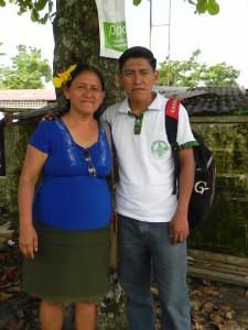Estella Domingo et Oscar son fils.